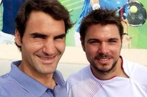 Federer and Wawrinka go on selfie spree after win