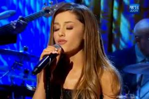 video: ariana grande performs at the white house's women of soul concert