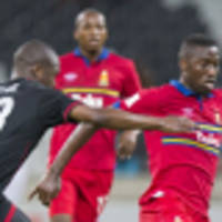 Tuks in smash-and-grab win over Bucs