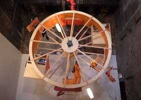 Men Live in Spinning Wheel House for Ten Days (Video)